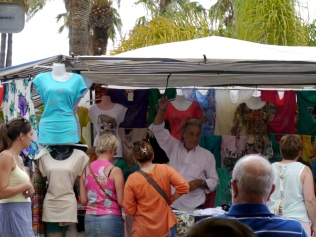 Dress stall